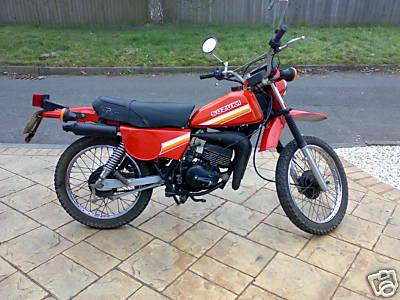 suzuki ts100 gallery classic motorbikes rh classic motorbikes net suzuki ts100 er manual 1974 Suzuki 185