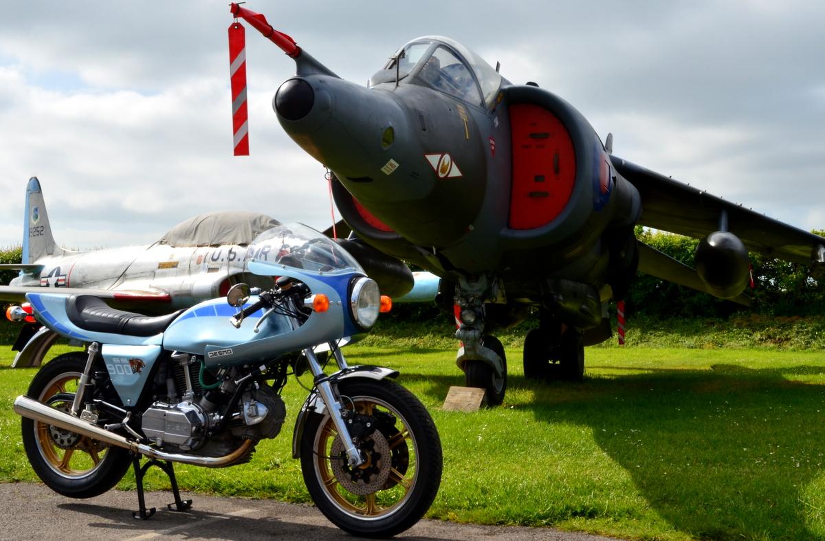 Ducati 900 Super Sport Darmah