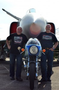 900SSD proud owner Martin Solomon and right multiple Ducati builder Gary Keen