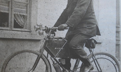 Biking in 1903 looked like this, a Minerva powered cycle takes to the road