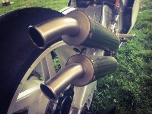 RGV500 2-stroke pipes