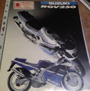 Suzuki RGV250 brochure