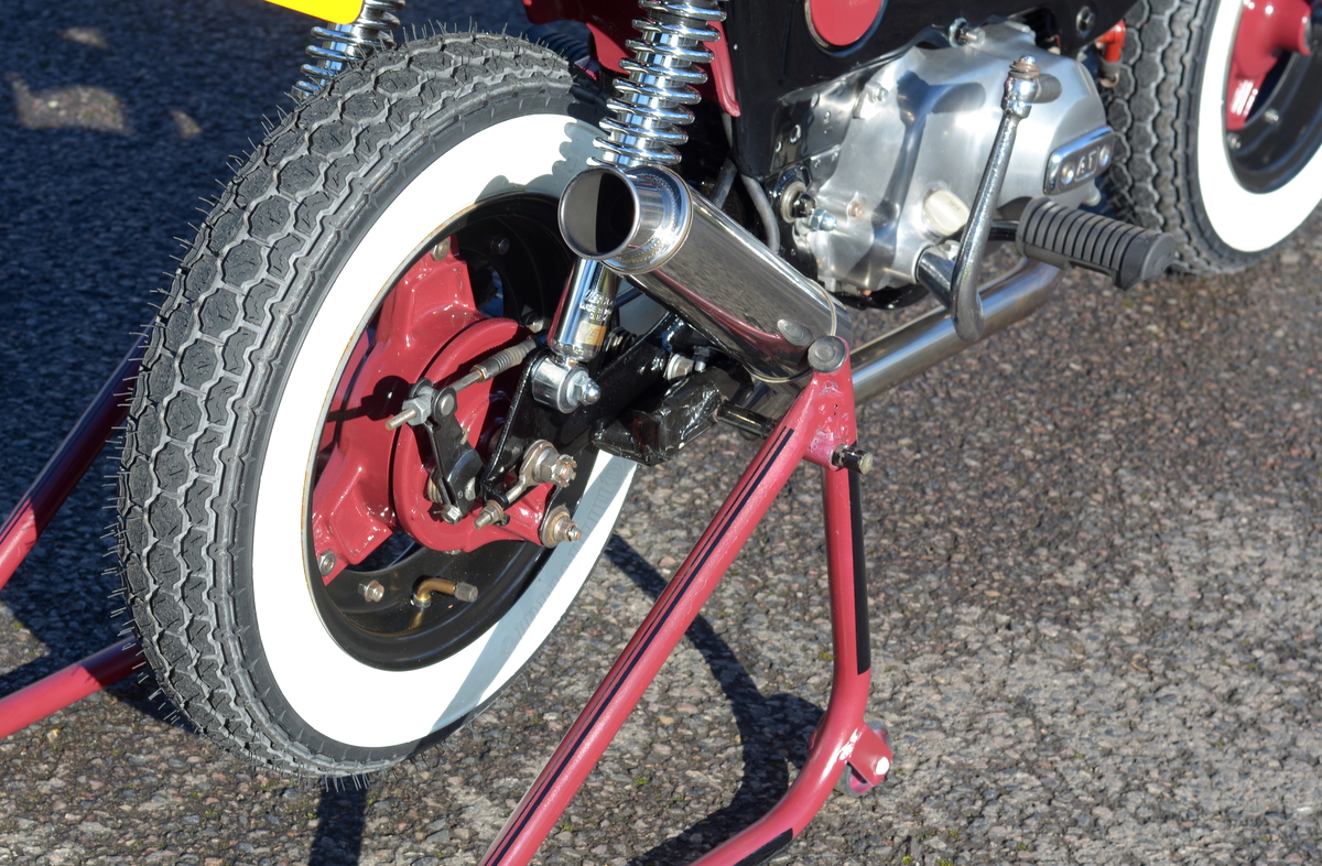 Honda Chaly custom exhaust and stand
