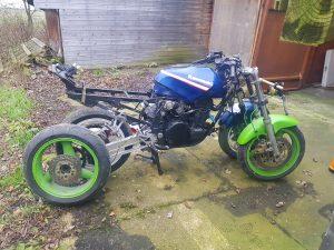 Kawasaki GPX750R race bike
