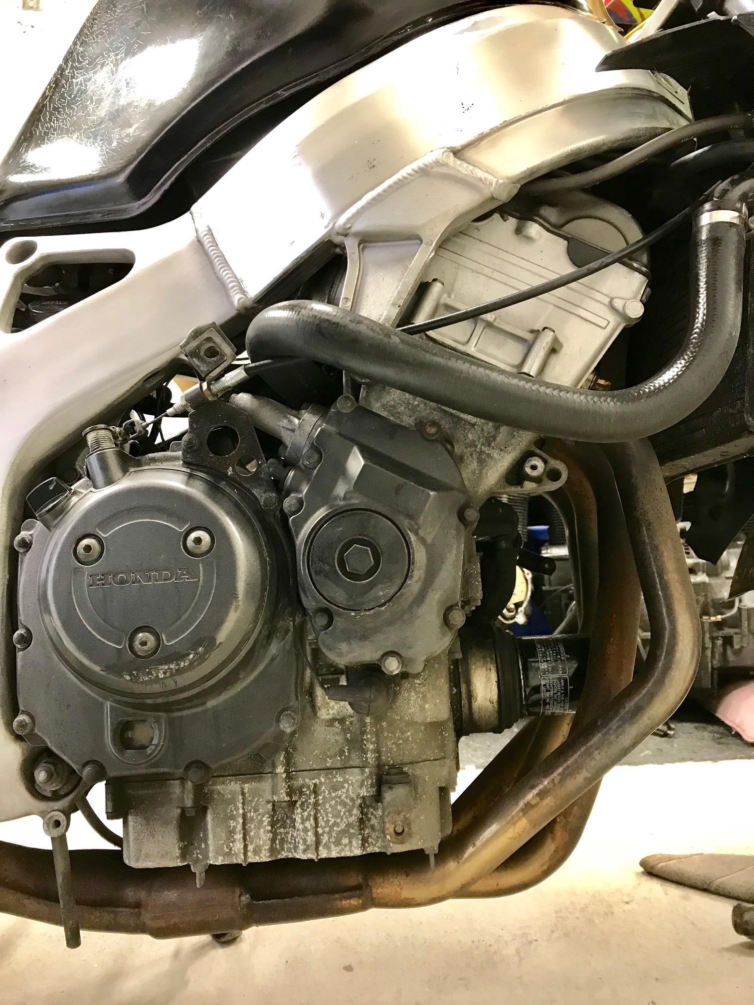 двигатель разрез honda cbr900rr fireblade