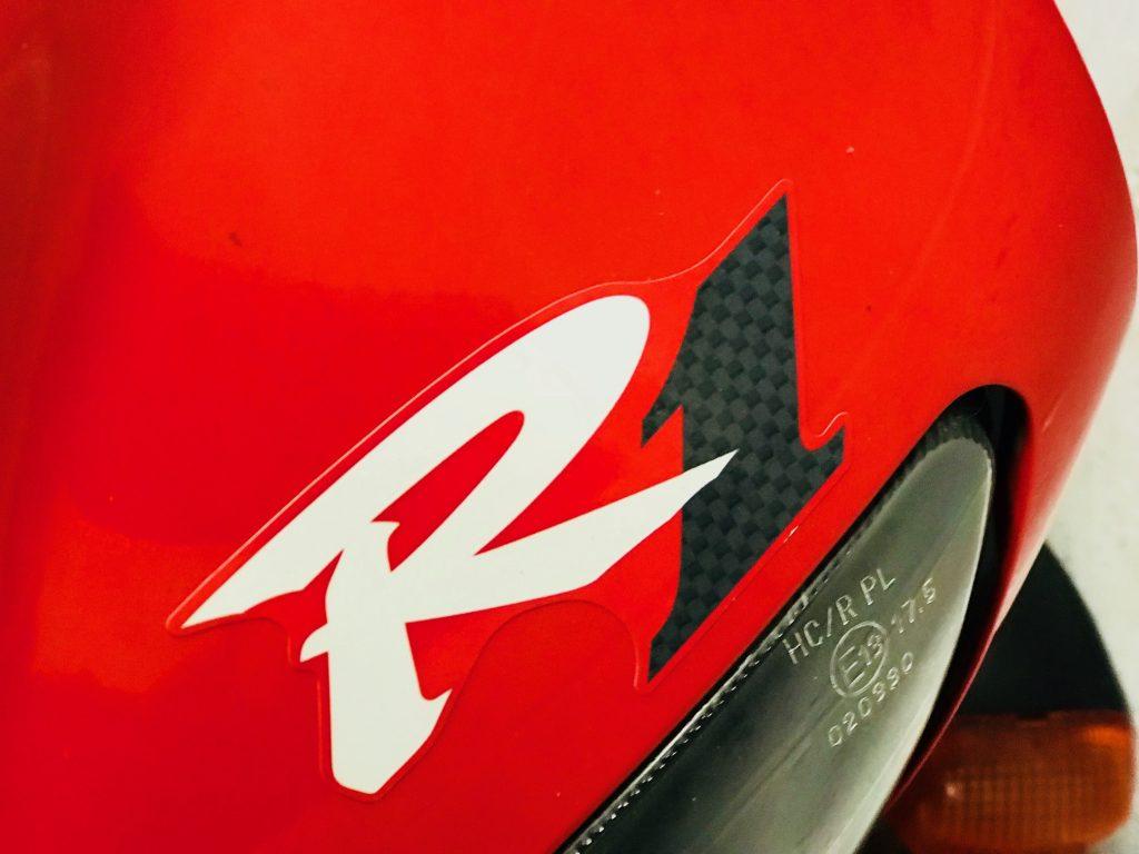 R1 4XV