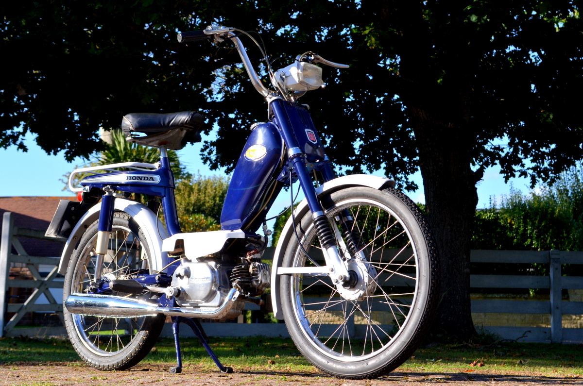 Classic-Motorbikes net - Classic motorcycles and classic bikes