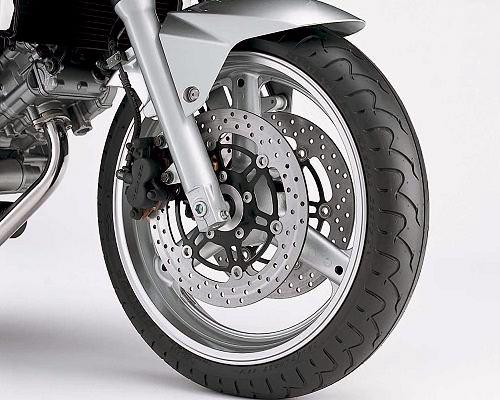 suzuki sv650 s 1999 on buyers guide classic motorbikes. Black Bedroom Furniture Sets. Home Design Ideas