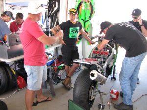 Kawasaki ZXR750 race bike in the pits