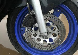 Suzuki GSX750F front wheel