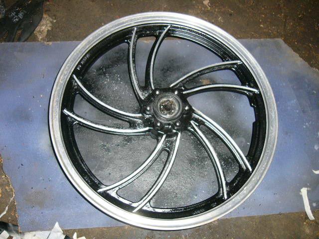 RD350LC wheel