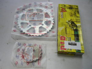 RD350LC DID chain and sprocket kit from Wemoto