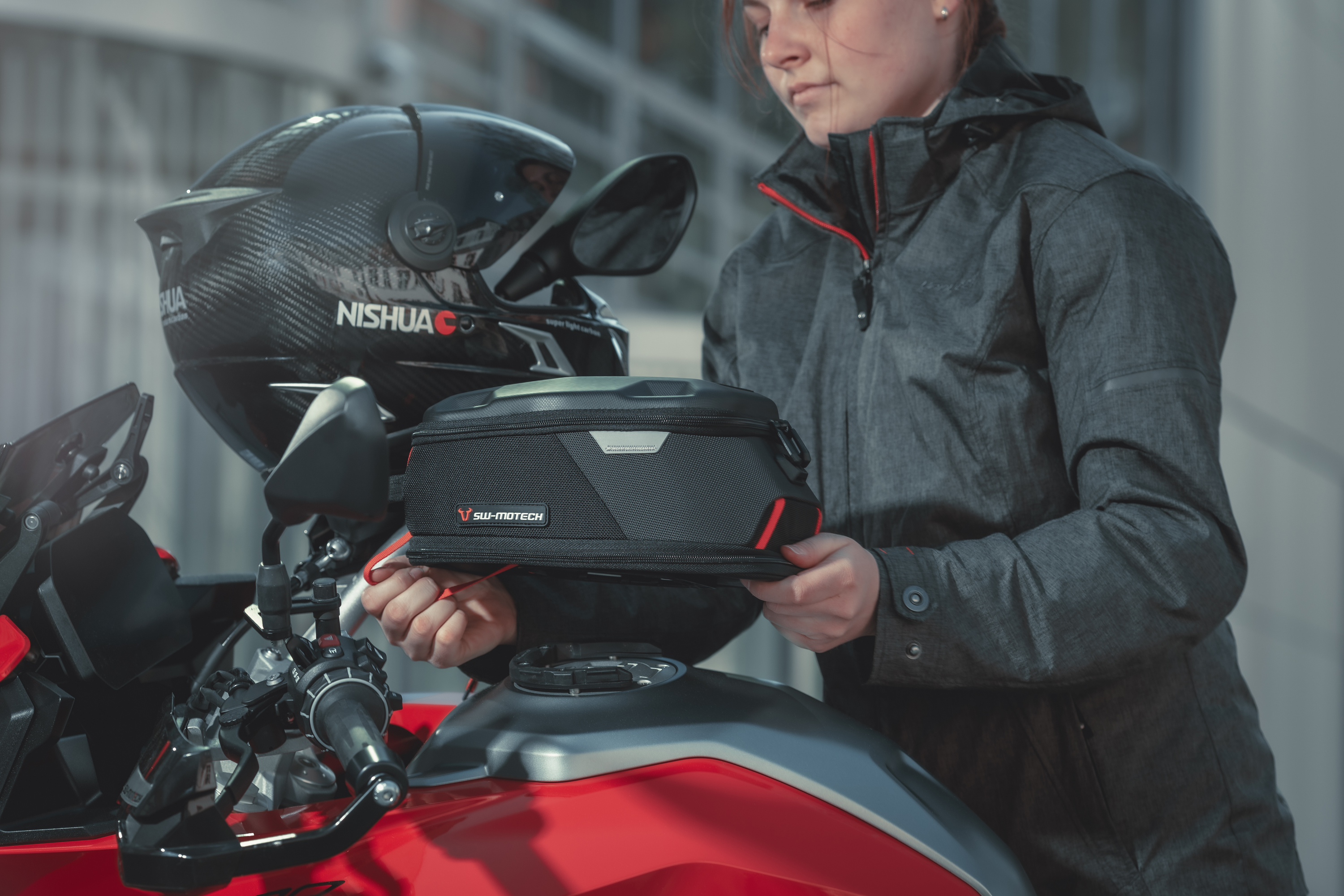The motorcycle magnetic tank bag reinvented