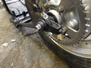 Custom bike rear wheel adjustment