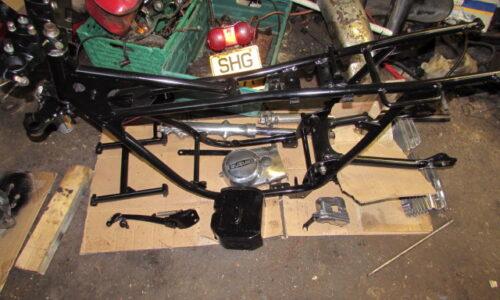 Suzuki GT250 restoration project