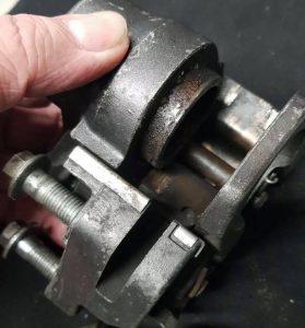 Yamaha XJ550 front brake calipers
